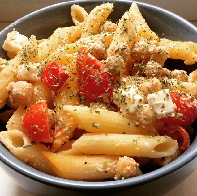Hummus chickpea pasta